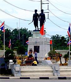 Phuket Heroines Monument Muk und Chan