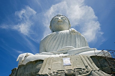 big buddha phuket körper fertig sockel mit gerüst