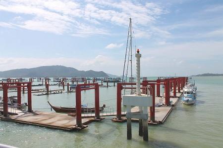 chalong yacht anleger neue marina