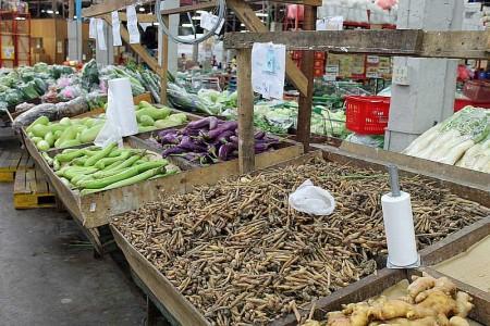 wurzeln und gemüse markt thailand phuket