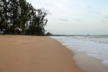beach at baan nam khem khao lak