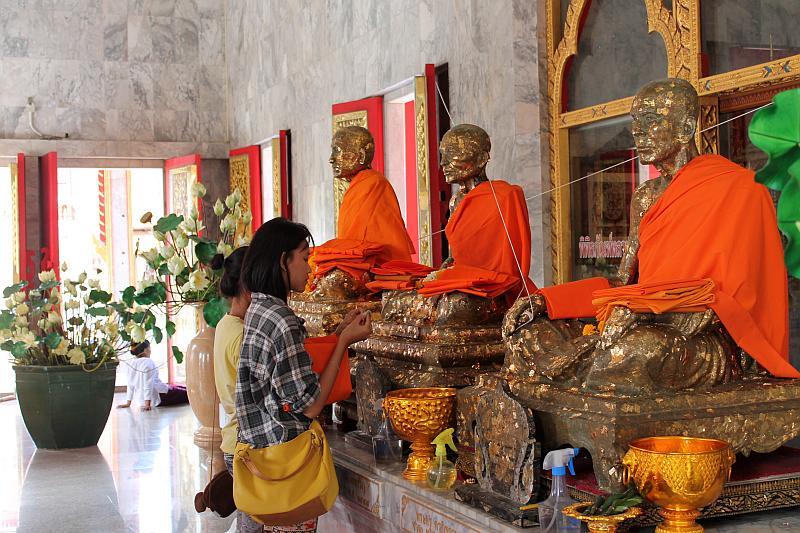 verehrte mönche luang pho chaem und luang pho chuang wat chalong phuket