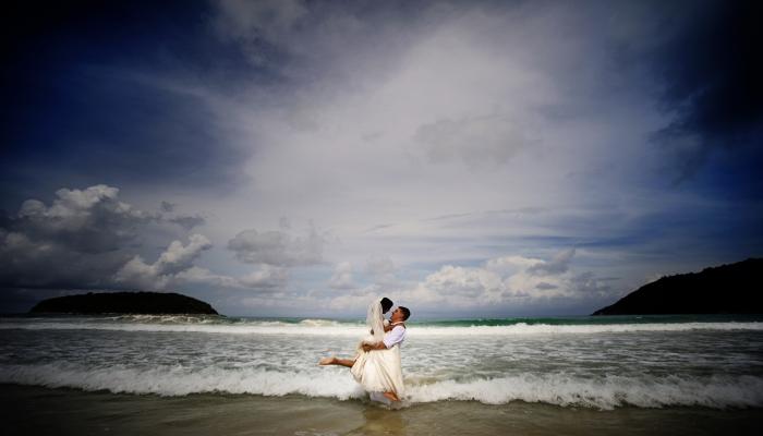 hochzeit am strand phuket