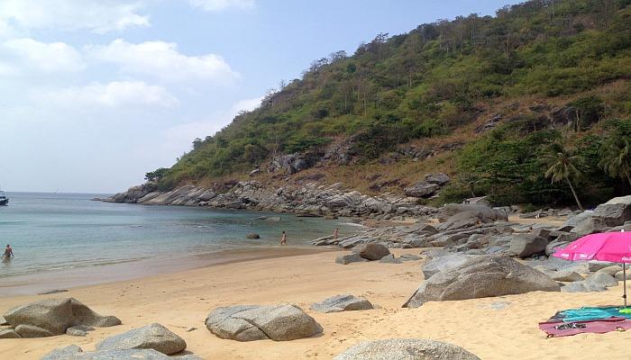 ruhiger strand auf phuket