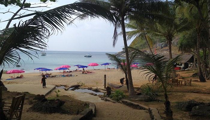 nui beach phuket 4