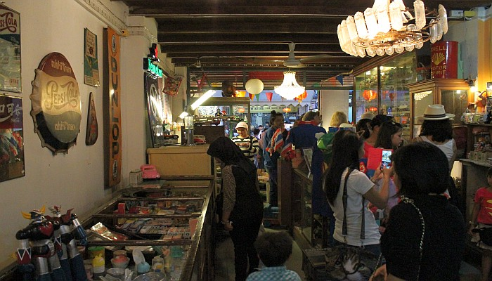 thalang road walking street4