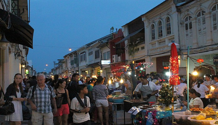thalang road walking street5