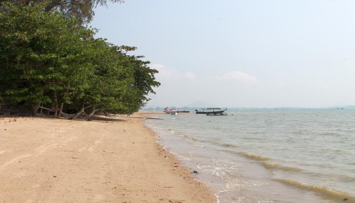 friendship beach phuket thailand strand