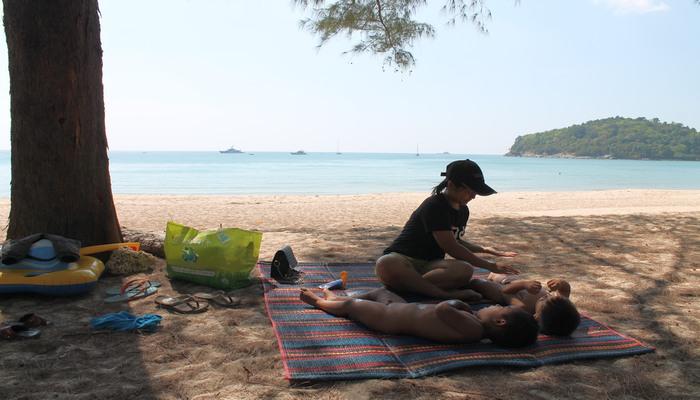 layan beach phuket mit familie