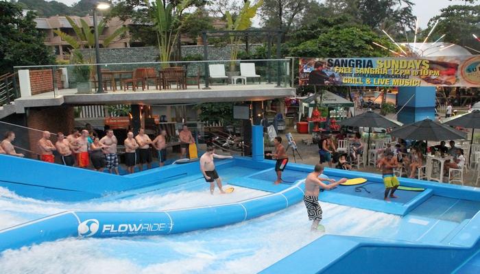 surfhouse kata phuket wellenreiten