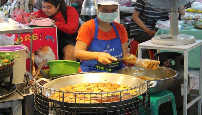 naka weekend market phuket