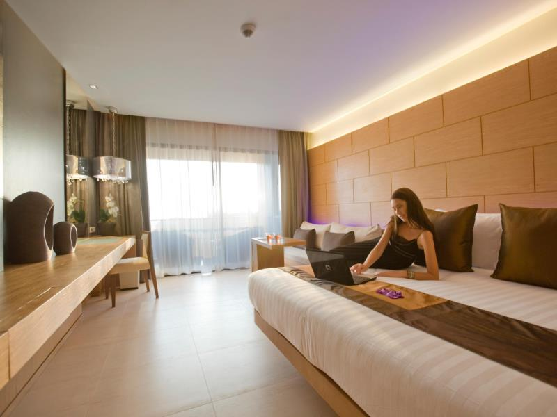 avista luxus hotel phuket 5 sterne
