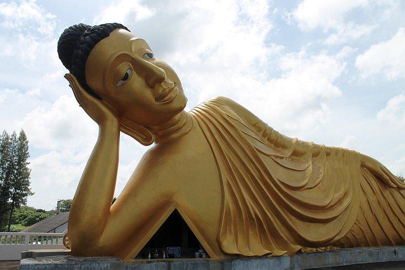 wat sri soonthorn liegender buddha phuket