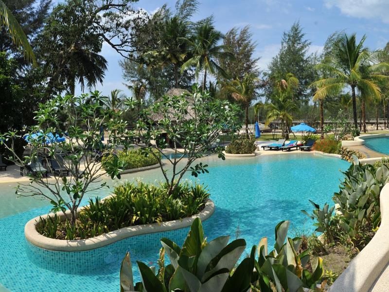 Apsara beachfront villas khao lak hotel