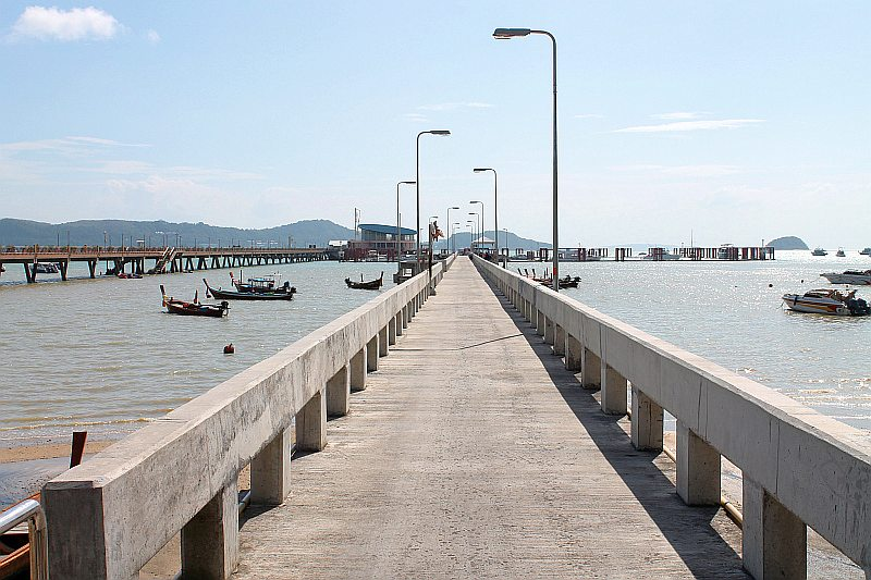ao chalong pier tauchen boote