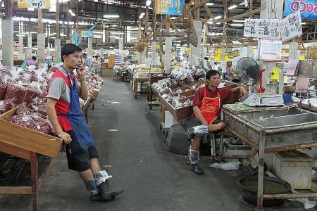 Fischhalle Personal Thailand