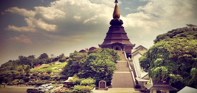 chedi tempel doi inthanon thailand
