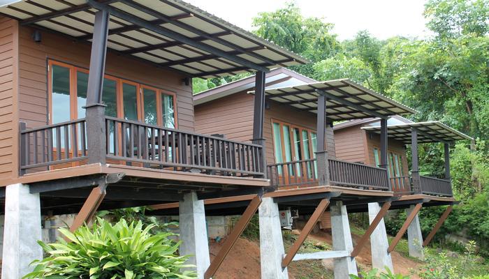 baan sattabun bungalow phuket