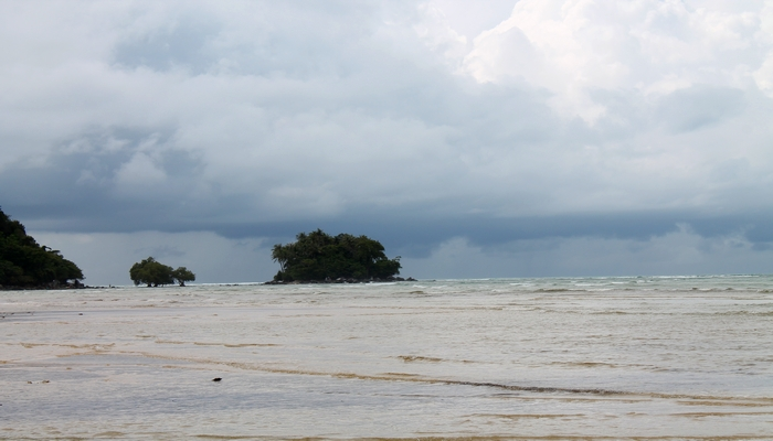 nai yang beach phuket regenzeit