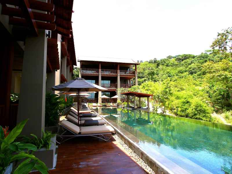 Avista Hideaway Resort And Spa Kata Beach