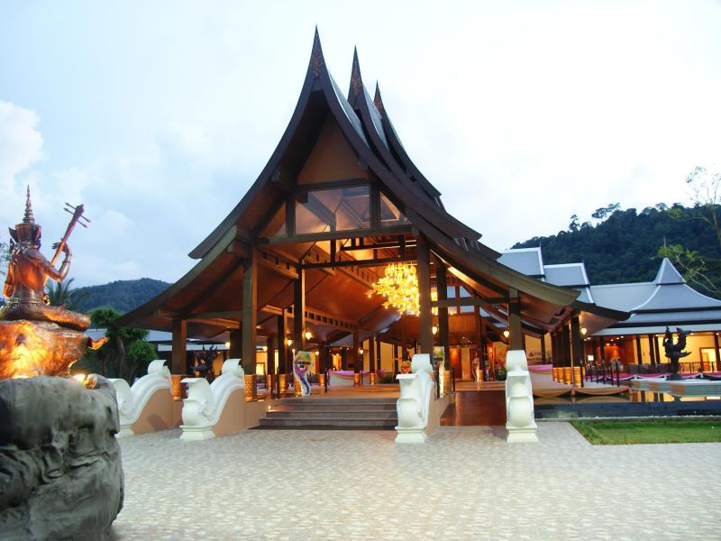 duangjitt resort patong beach phuket hotel empfehlung