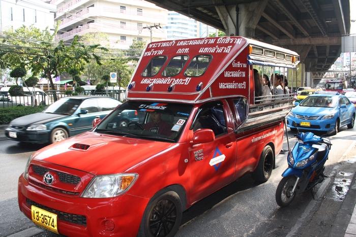 songthaew bangkok fortbewegung