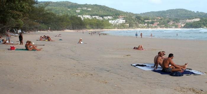 nai harn beach keine liegen