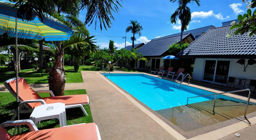 Phuket Airport Hotel 2-mai khao