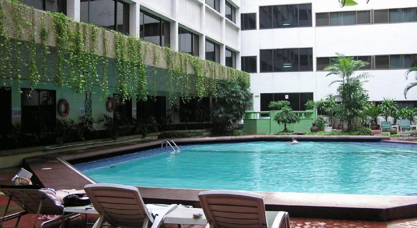 Asia Hotel Bangkok Pool