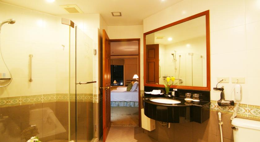 Grand Diamond Suites Hotel 2