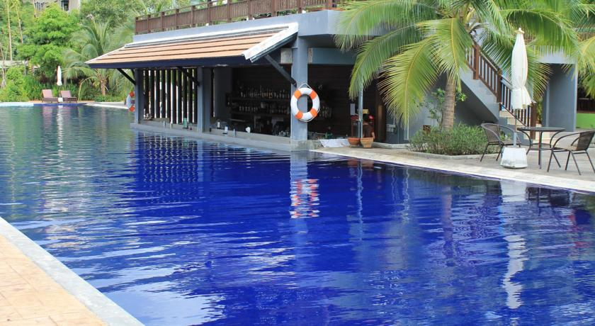 Silver Sand Suites Pool